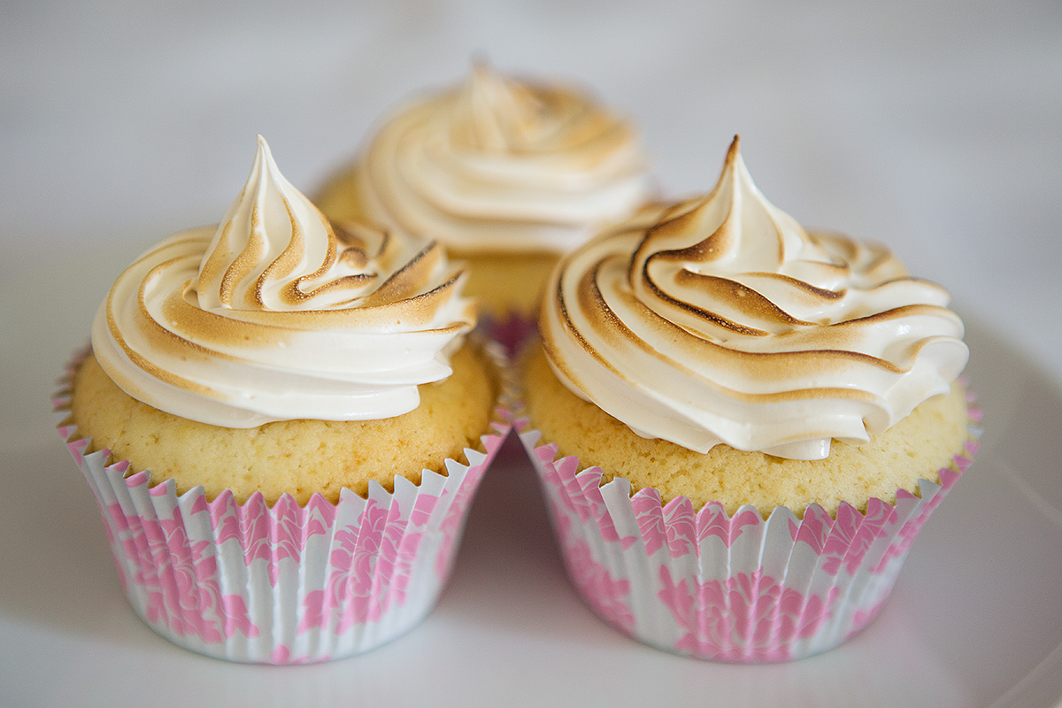 Italian meringue frosting on some lemon hidden centre cupcakes...yum!